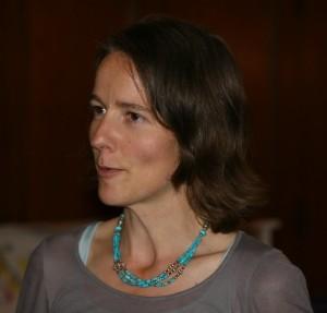 Katrin Stelter führt Sie durch das Ritual einer Namensfeier